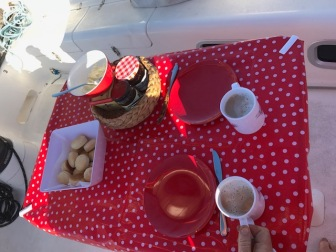 Afternoon tea, Dahling?